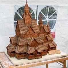 Heddal stavkirke laget av Svein INge Langsholt