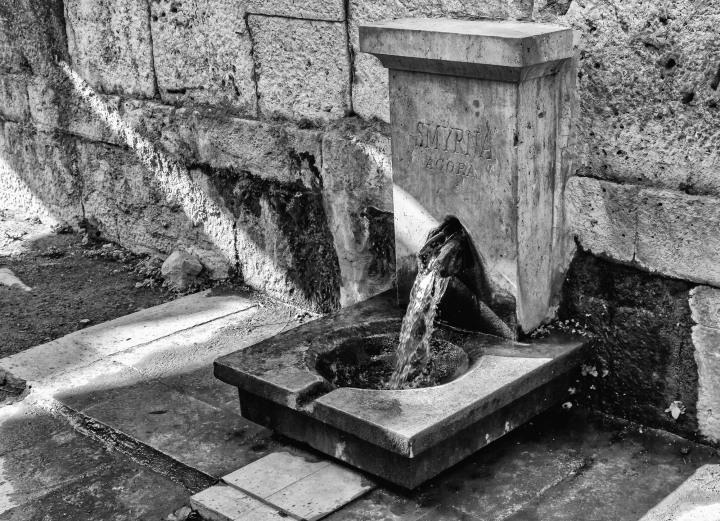 Vi besøker Agoraen i Izmir. Gammelt historisk sted.
