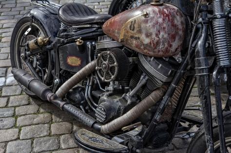Meget forseggjort sykkel som skal virke gammel og slitt.