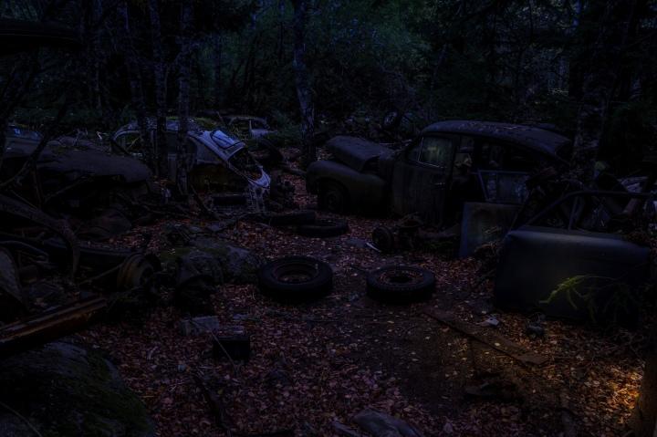 På tur til bilskroten i Båstnäs